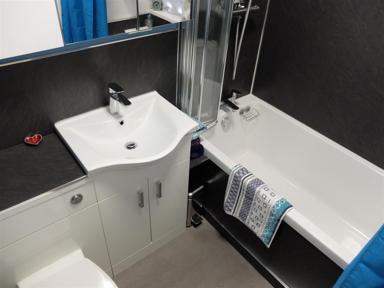23 Bedford Road Carlisle 3 Bedrooms House - Semi-Detached On Sale 125,000