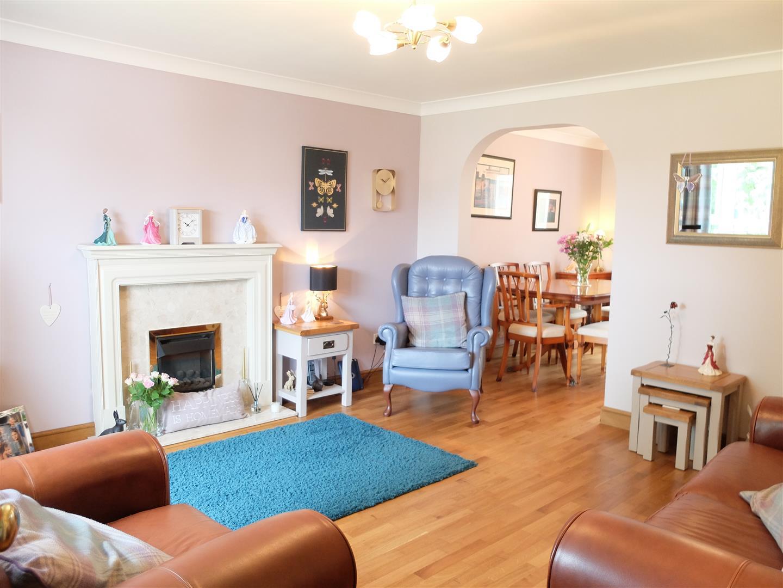 4 Bedrooms House - Detached For Sale 62 Dalesman Drive Carlisle