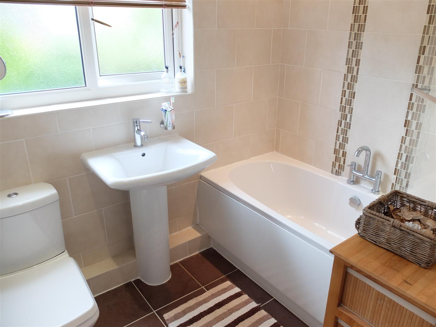 3 Bedrooms House - Detached For Sale 2 Dee Close Carlisle