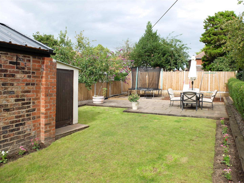 3 Bedrooms House - Semi-Detached For Sale 21 Knowe Park Avenue Carlisle