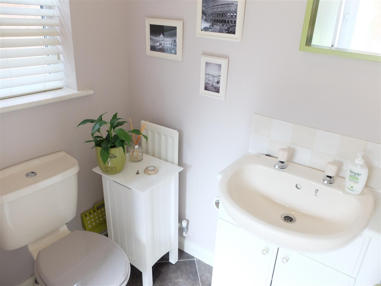4 Bedrooms House - Detached For Sale 62 Dalesman Drive Carlisle 200,000
