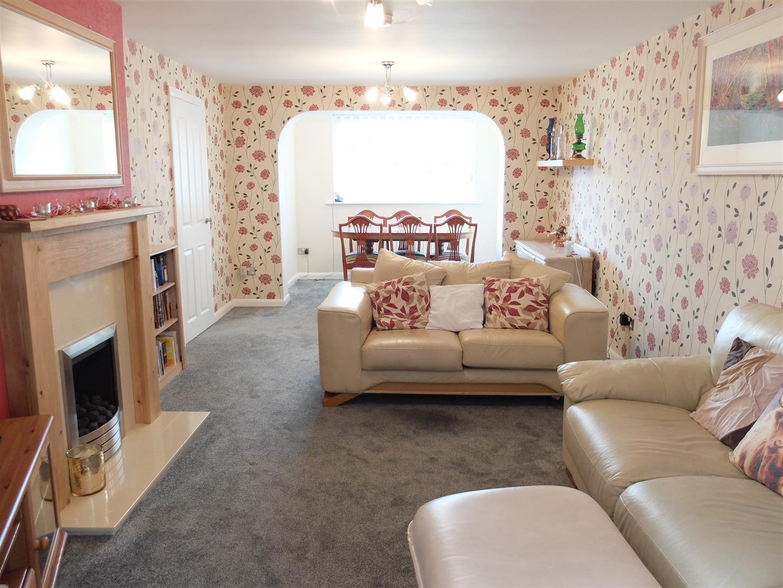 4 Bedrooms House - Terraced For Sale 12 Hillary Grove Carlisle