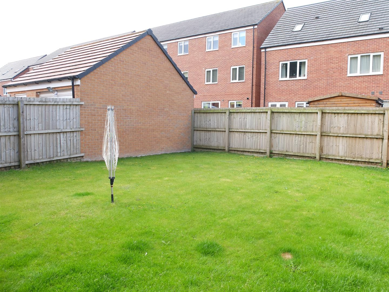 4 Bedrooms House - Detached For Sale 121 Glaramara Drive Carlisle