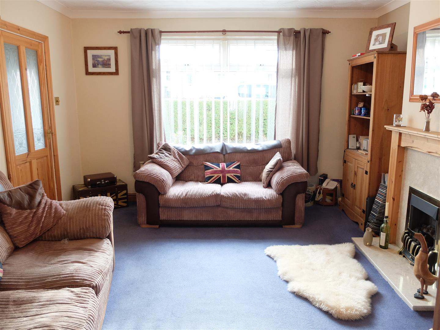3 Bedrooms House - Semi-Detached For Sale 71 Bracken Ridge Carlisle
