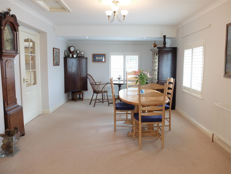 4 Bedrooms Bungalow - Detached For Sale The Limes Arthuret Road Carlisle 230,000