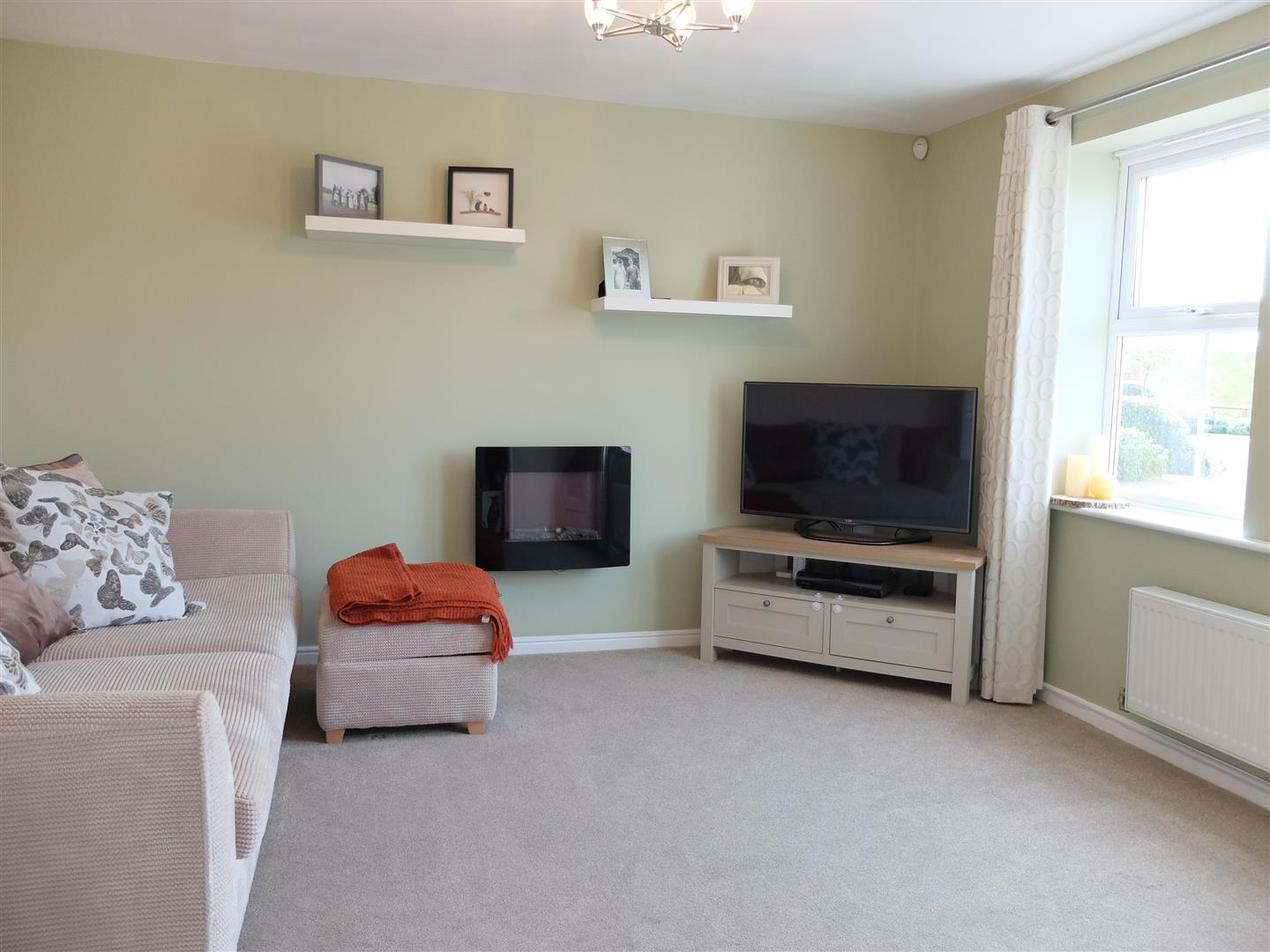 3 Bedrooms House - Detached For Sale 5 Farneside Close Carlisle