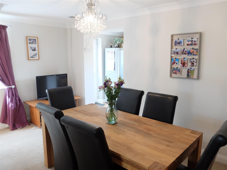 3 Bedrooms House - Semi-Detached On Sale 53 Eden Park Crescent Carlisle