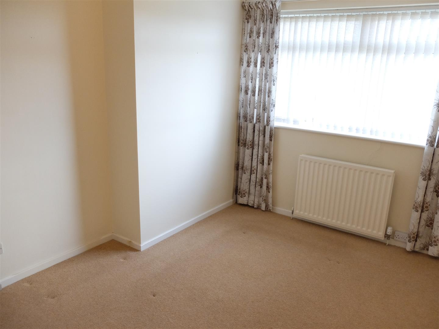 2 Farbrow Road Carlisle 2 Bedrooms Bungalow - Semi Detached For Sale 150,000