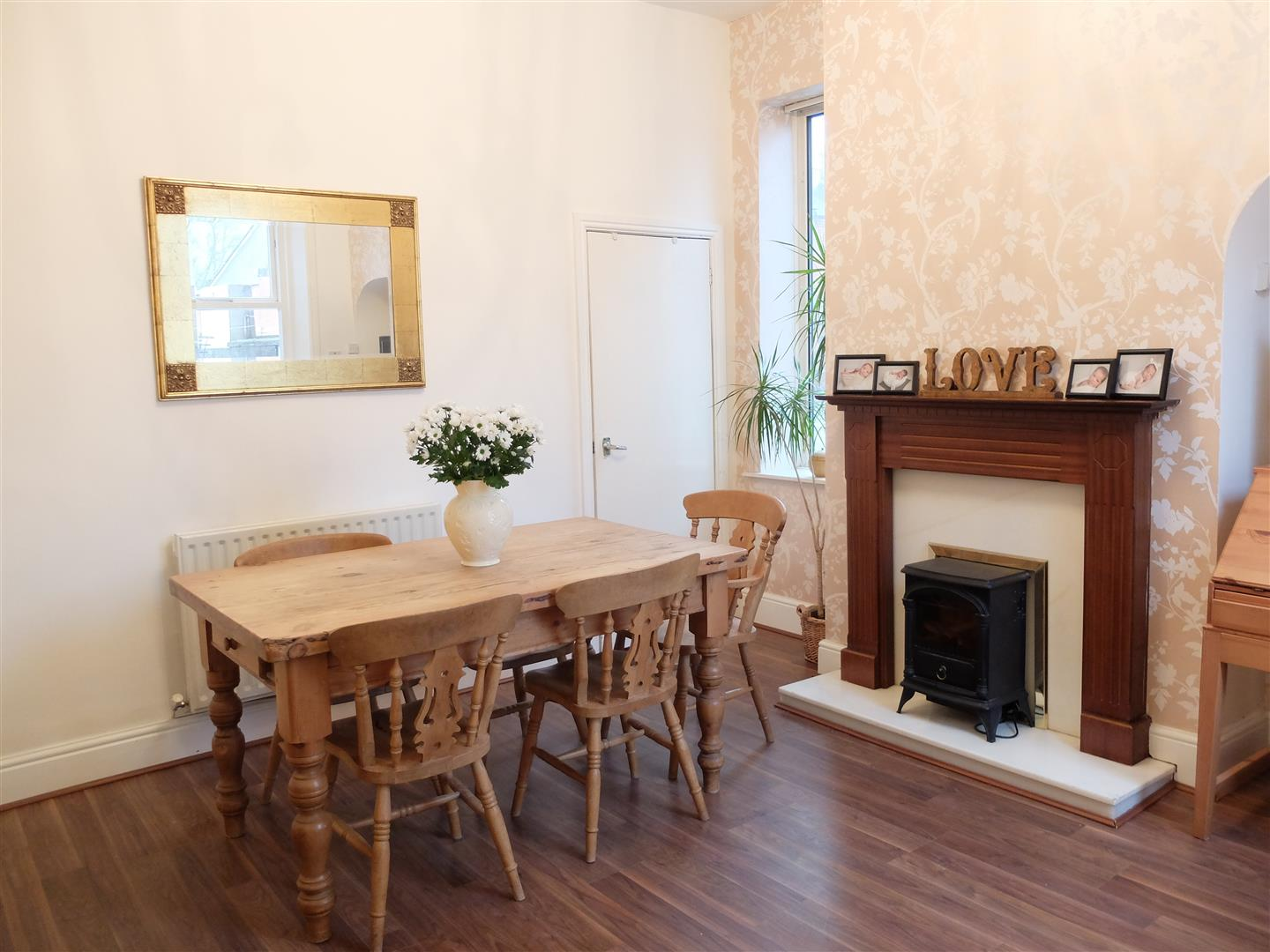 2 Bedrooms House - End Terrace On Sale 14 Ashley Street Carlisle