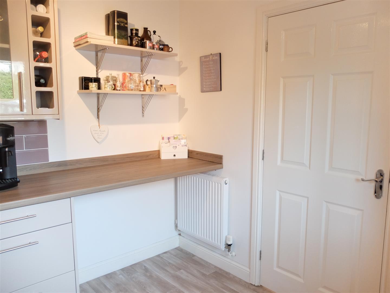 3 Bedrooms House - Semi-Detached On Sale 6 Heathfield Close Carlisle