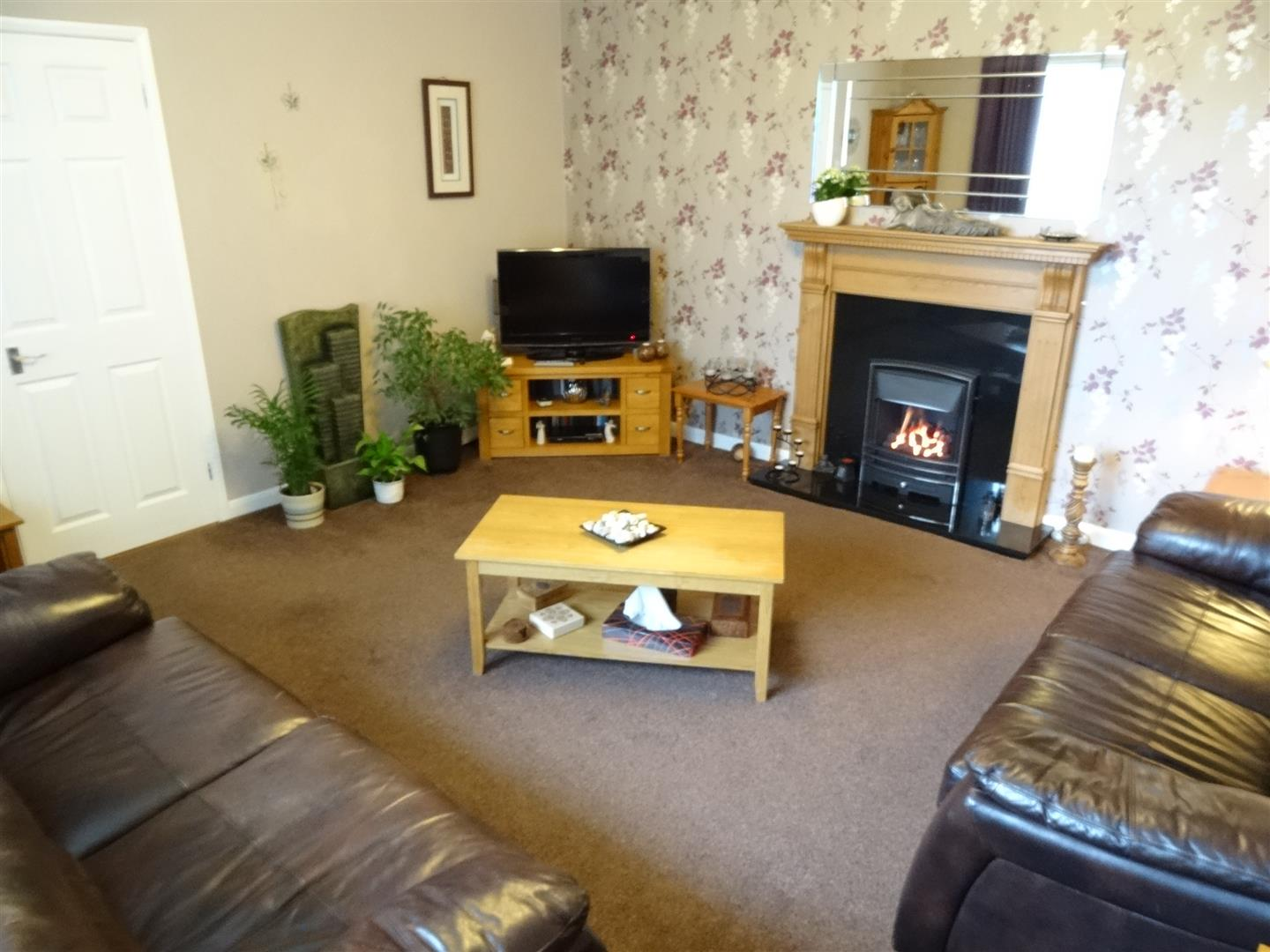 3 Bedrooms Bungalow - Detached For Sale 9 Grahams Croft Carlisle