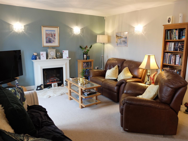 3 Bedrooms House - Terraced On Sale 4 Ridge View Brampton