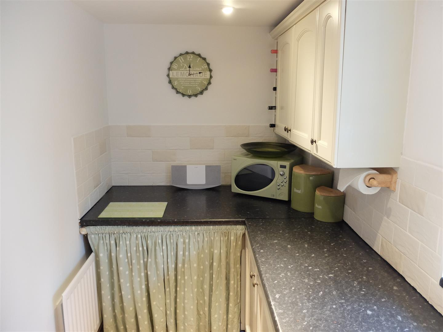 2 Bedrooms House - Semi-Detached On Sale