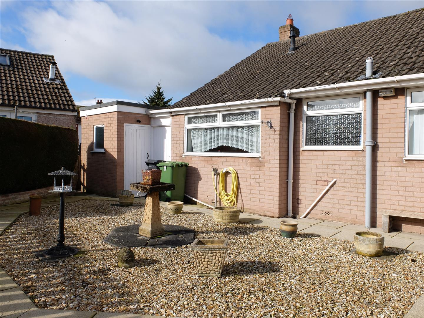 2 Farbrow Road Carlisle 2 Bedrooms Bungalow - Semi Detached On Sale 150,000