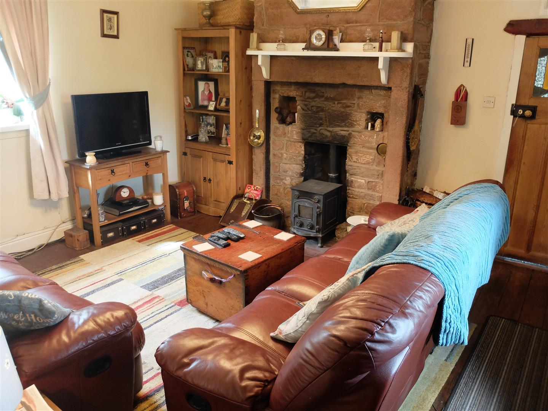 2 Bedrooms Cottage - Detached For Sale