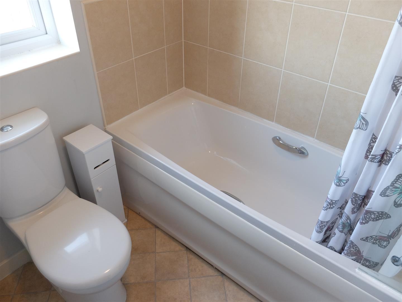 3 Bedrooms House - Semi-Detached On Sale 42 Cavaghan Gardens Carlisle 129,995