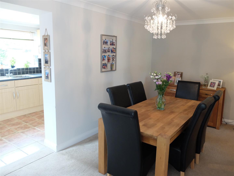 3 Bedrooms House - Semi-Detached For Sale 53 Eden Park Crescent Carlisle