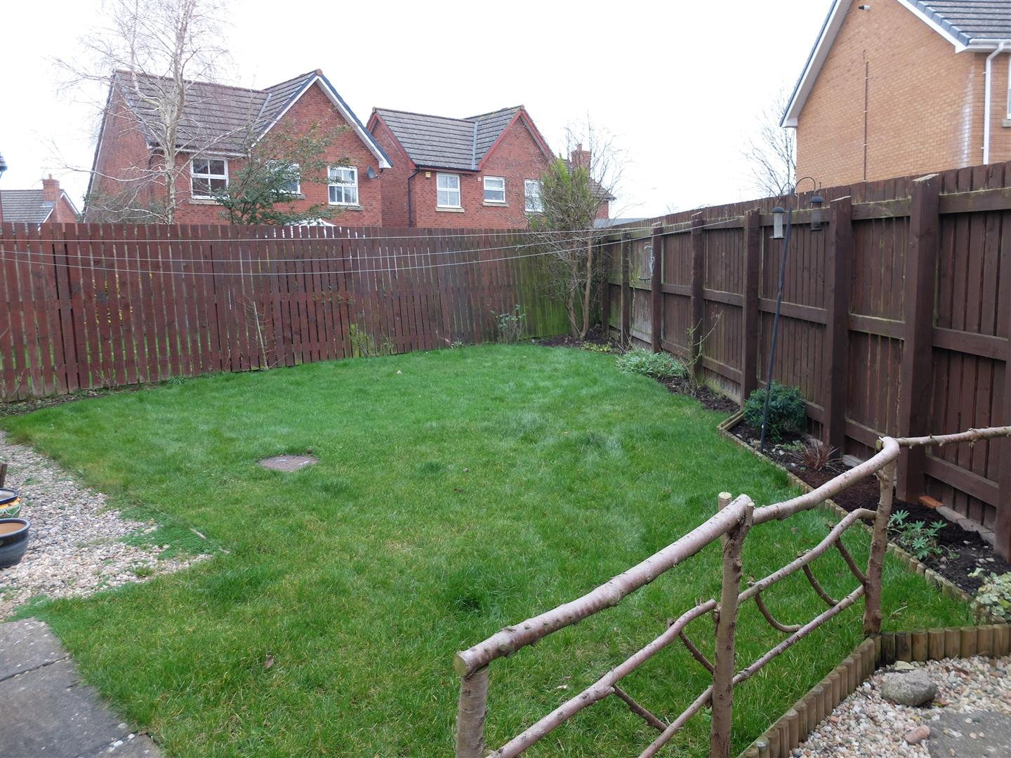 3 Bedrooms House - Semi-Detached For Sale 49 The Paddocks Carlisle