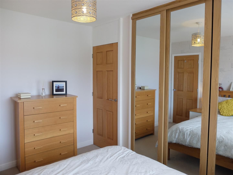 3 Bedrooms House - Semi-Detached On Sale 53 Eden Park Crescent Carlisle 140,000