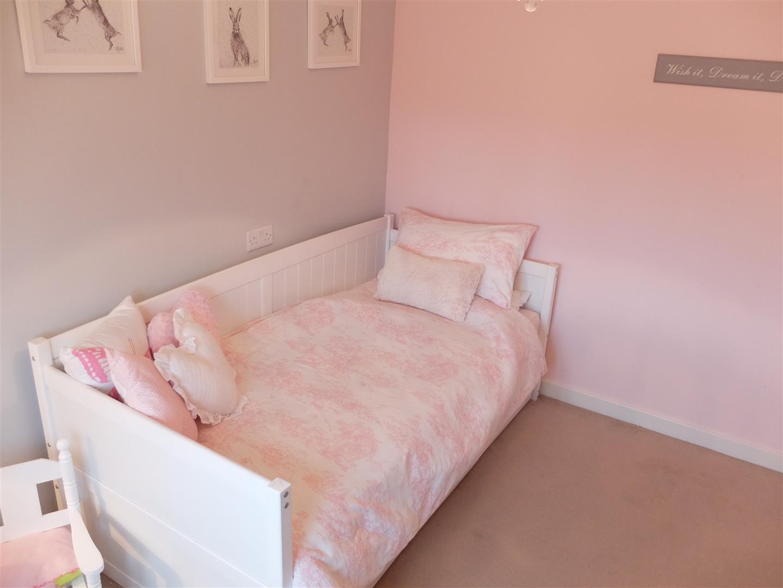 34 Cavaghan Gardens Carlisle 3 Bedrooms House - Mid Terrace On Sale 125,000