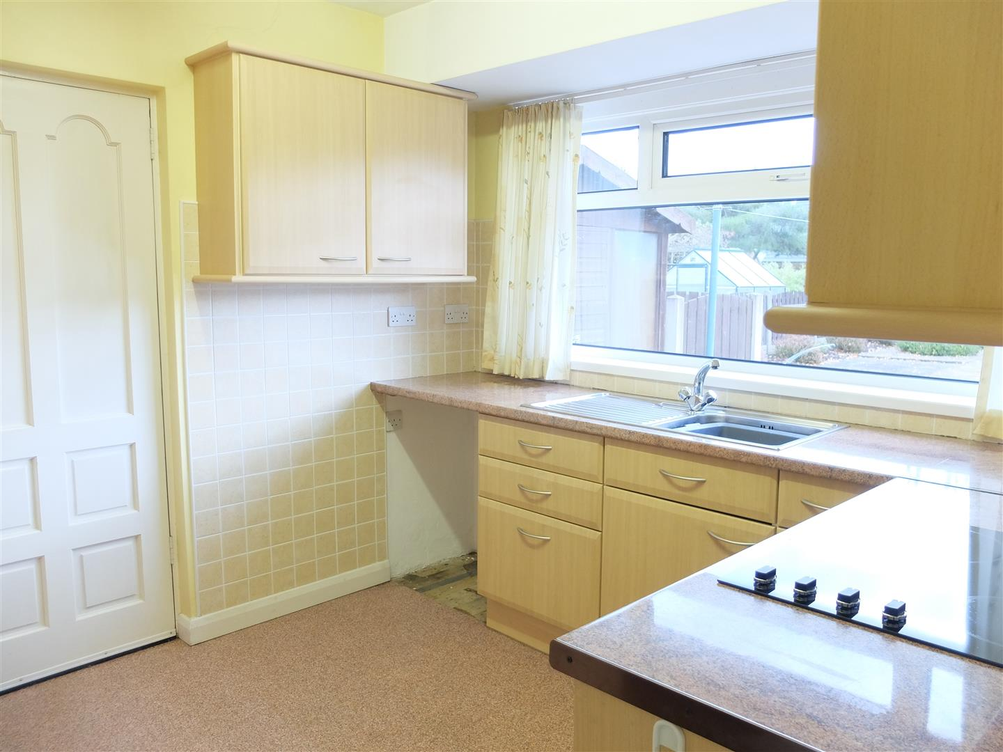 4 Farbrow Road Carlisle 2 Bedrooms Bungalow - Semi Detached For Sale