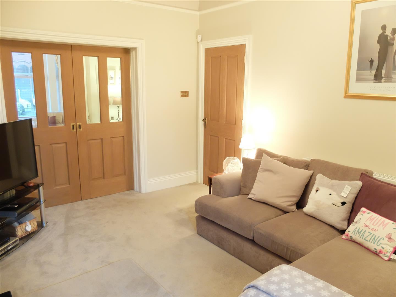 5 Bedrooms House - Terraced On Sale 96 Petteril Street Carlisle