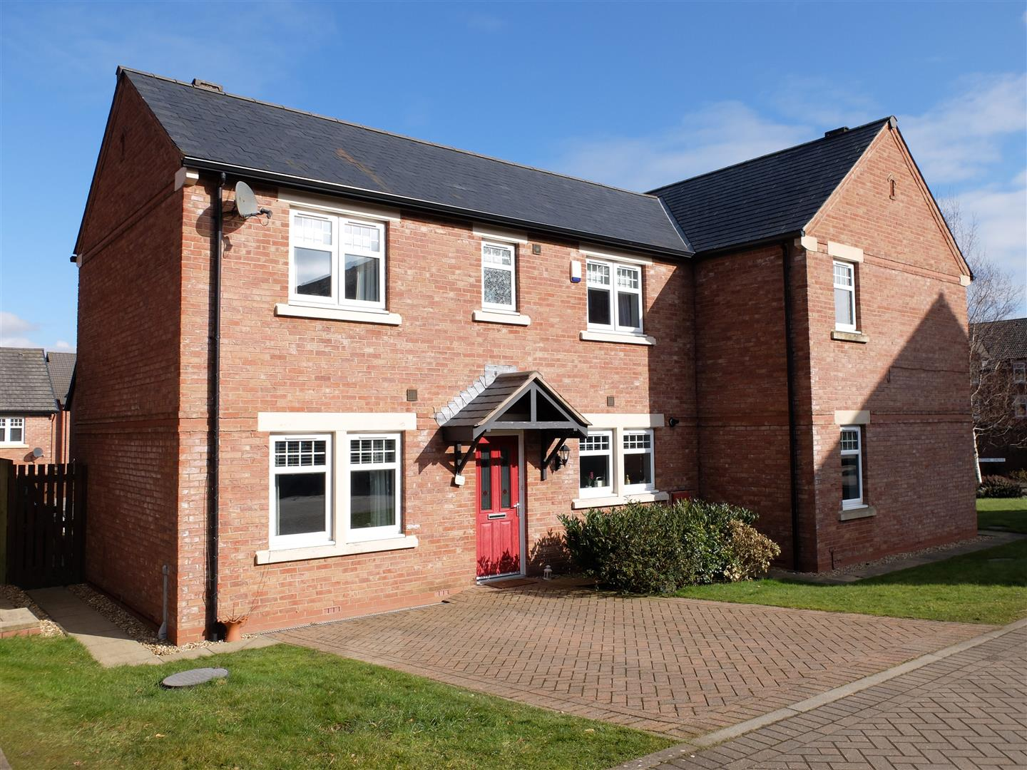 13 Siskin Court Carlisle 3 Bedrooms House - Semi-Detached For Sale