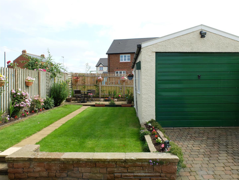 3 Bedrooms House - Semi-Detached For Sale Greenways School Road Carlisle