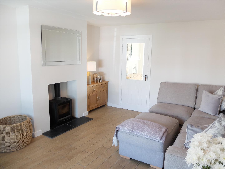 3 Bedrooms House - Semi-Detached For Sale 132 Cumwhinton Road Carlisle