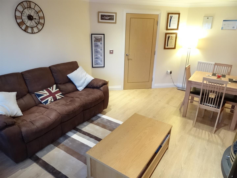 2 Bedrooms Flat On Sale 116 Watermans Walk Carlisle