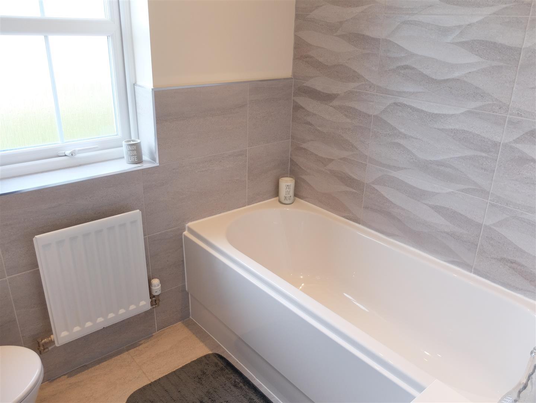 4 Bedrooms House - Townhouse On Sale 35 Fenwick Drive Carlisle 147,000