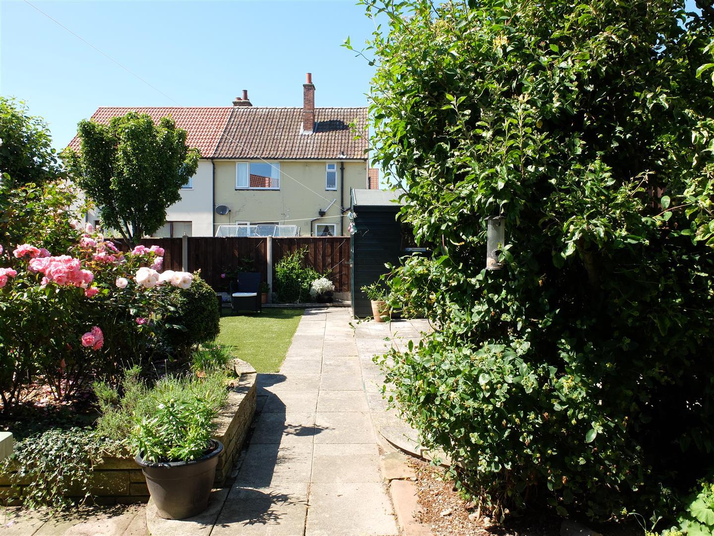 3 Bedrooms House - Semi-Detached For Sale 42 Greengarth Carlisle