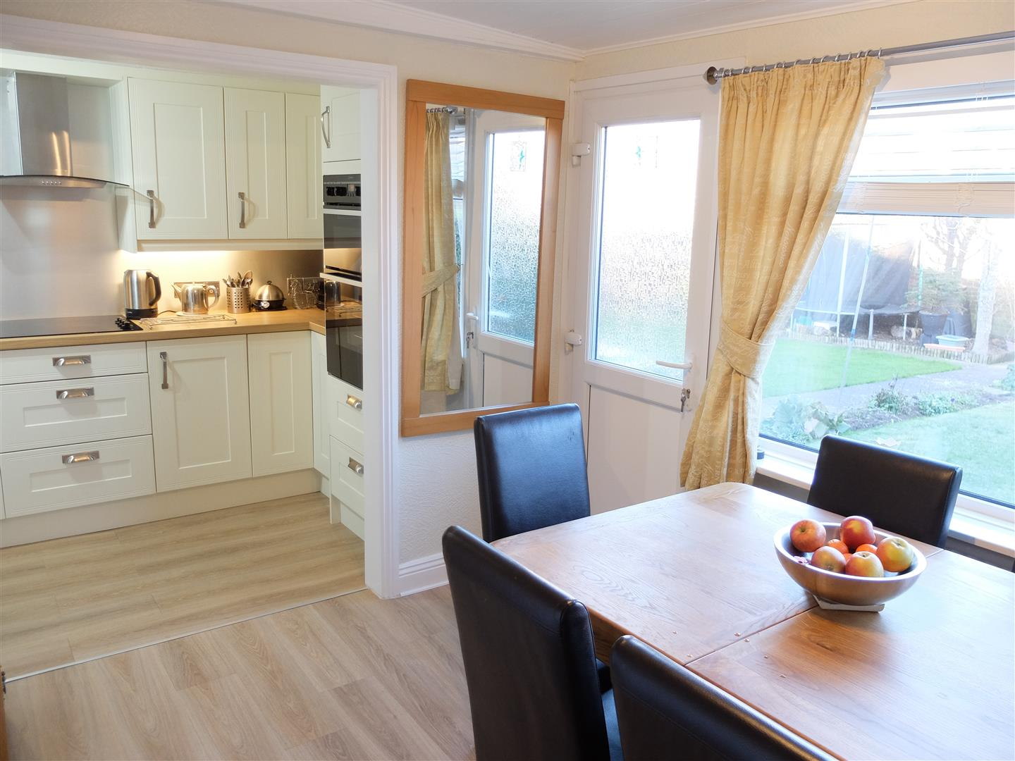 3 Bedrooms House - Semi-Detached On Sale 12 Currock Mount Carlisle