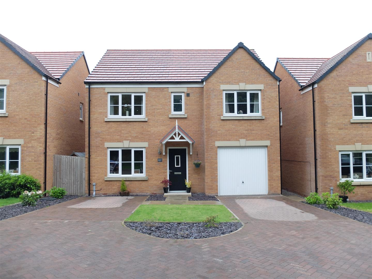 107 Glaramara Drive Carlisle 5 Bedrooms House - Detached For Sale