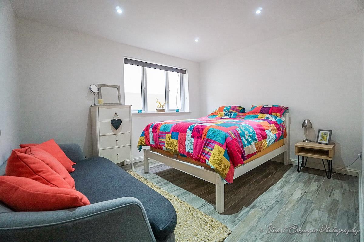 Bedroom 6/Annexe Bedroom