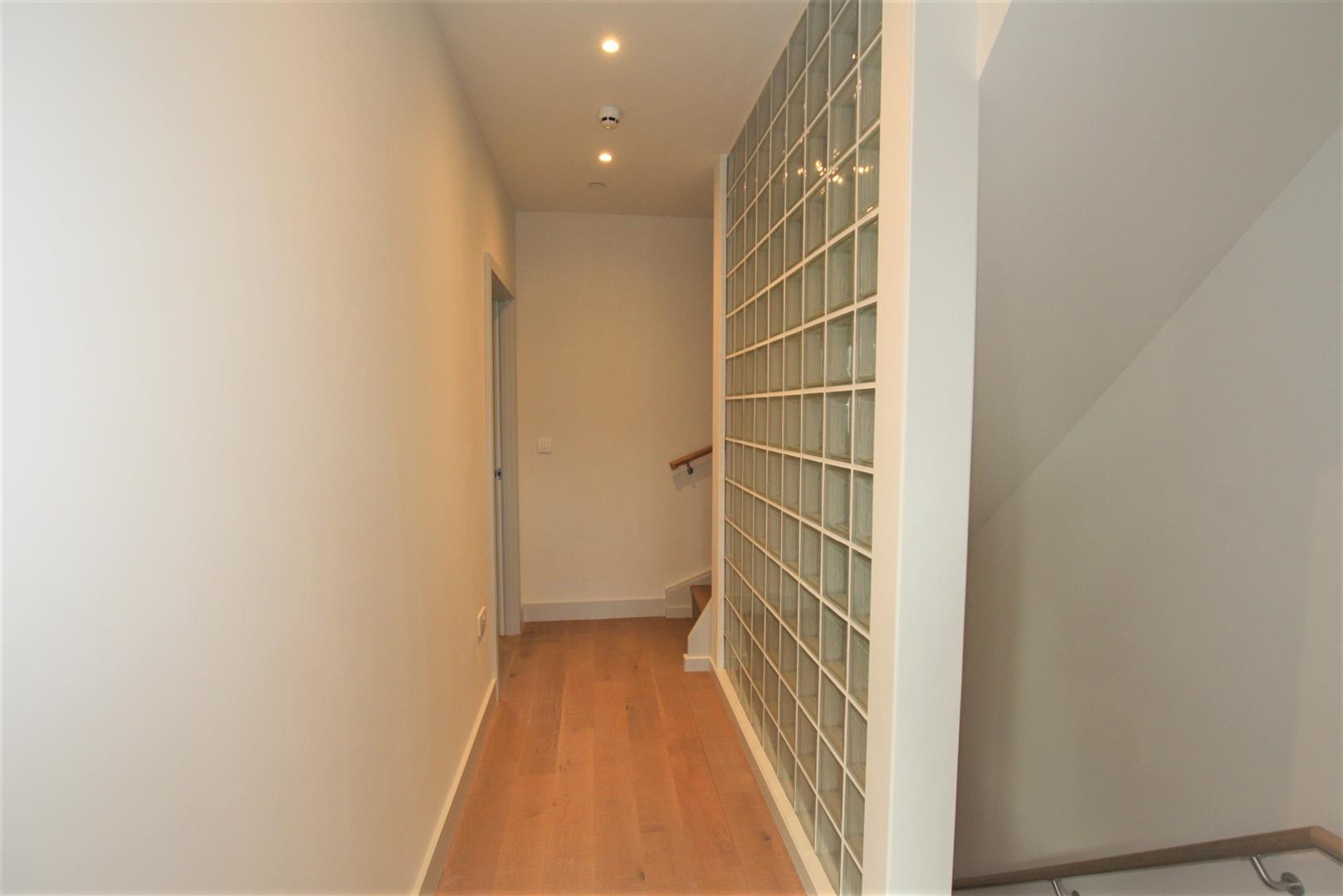 hallwayy.jpg