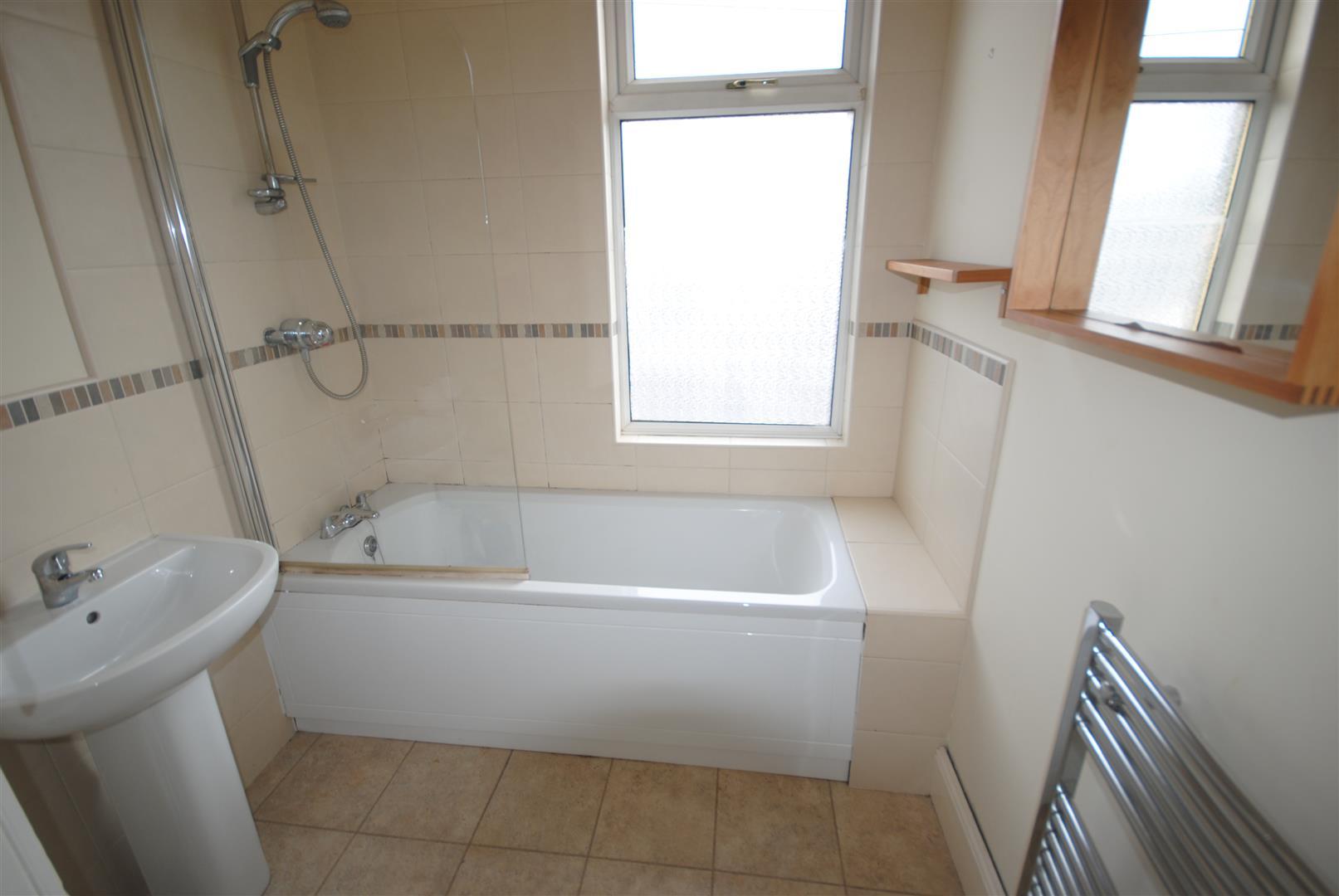 Barnsley street springfield wigan mhl estate agents for Laminate flooring barnsley